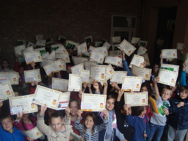 Remise des 90 brevets par Carole Trolley de Prévaux 28-06-2013