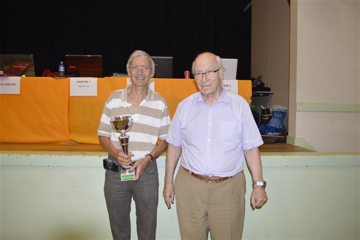 FOLLIOT Jean-pierre vainqueur du Tournoi avec le président Henri Perriot TH de Saint-Etienne 20-09-2014 (133)